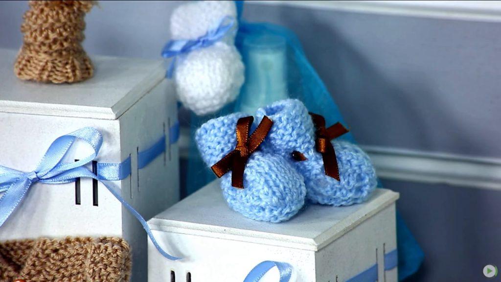 botinha de bebe 1024x576 - Roupas de tricô para bebês
