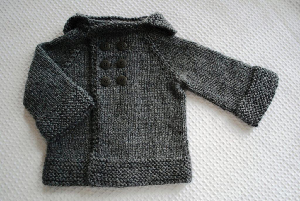 casaquinho para bebes 1024x687 - Roupas de tricô para bebês