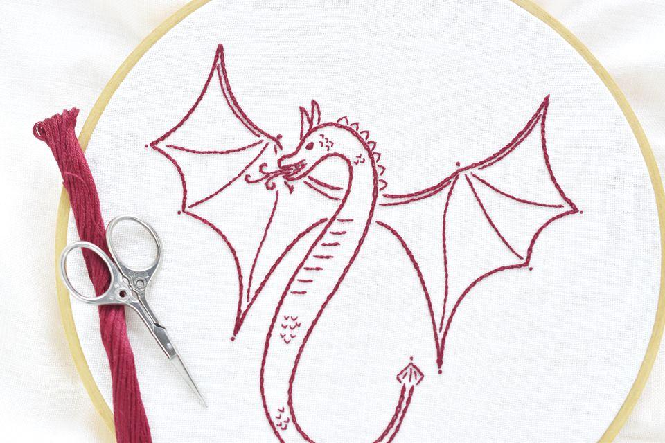 Como bordar um dragão